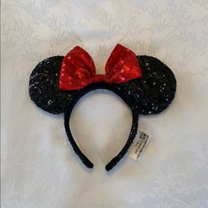 Classic Sparkly Minnie Mouse Ears